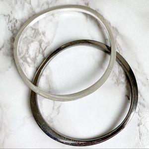 🎉5/20 SALE🎉 set of 2 undulating wave bangles